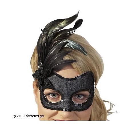 Máscara de plumas y lentejuelas