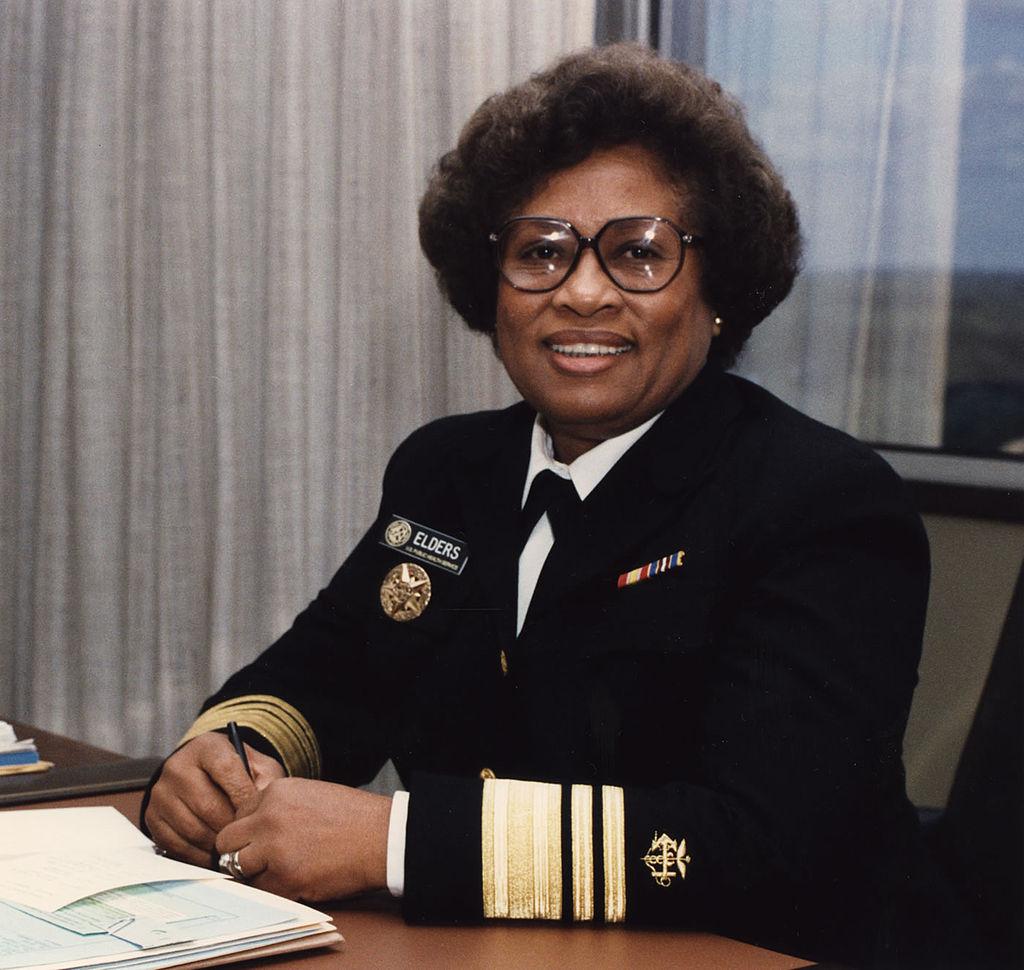 Joycelyn Eders, doctora pediatra de EEUU